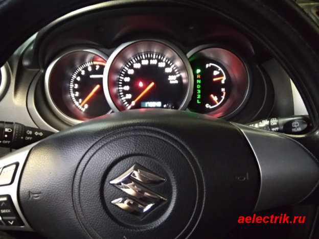 Suzuki Grand Vitara XL-7 щиток приборов руль