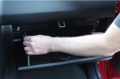 Замена салонного фильтра Suzuki Grand Vitara