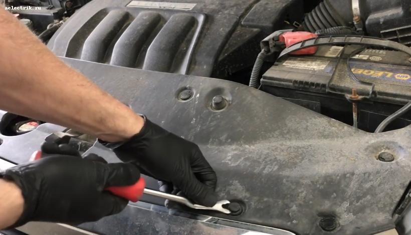 Honda Odyssey снятие клипс переднего бампера