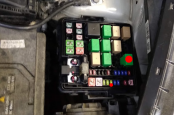 Kia Picanto 2018 petrol fuel pump relay and fuse location
