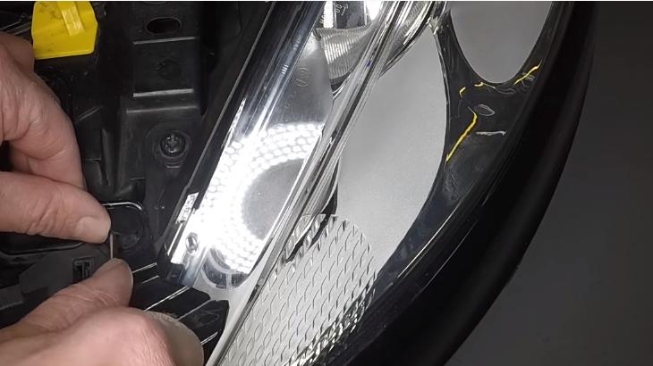 Замена ламп фар Форд Фиеста 2009 - 2013 💡