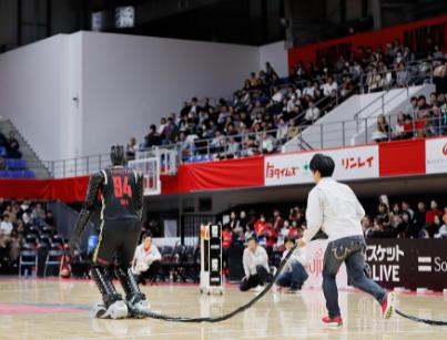 CUE баскетбольный робот от инженеров Тойота!