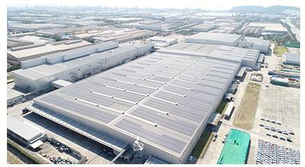 Компания MITSUBISHI MOTORS начала эксплуатацию солнечной электростанции на крыше на своем заводе в Таиланде