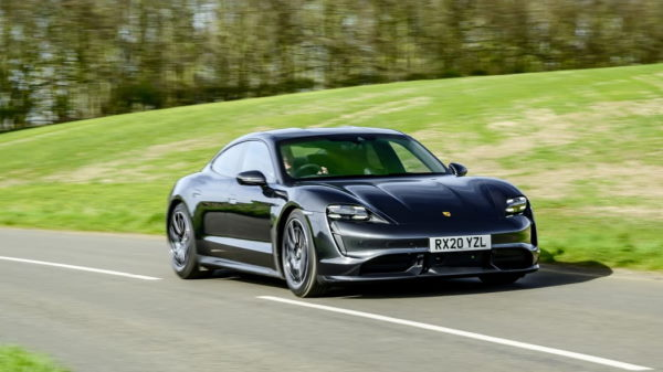 Porsche может выпустить более доступный электрический седан меньшего размера
